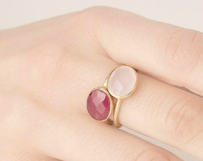 Quartz Gold Ring - Rose Gemstone Ring - Pink Chalcedony Ring -  Light Pink  Ring - Oval Stone Ring - Mineral Ring - October Birthstone