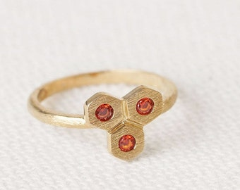 Hexagon Ring red - ruby Crystal Ring - Honeycomb Ring - geometric Stone Ring - Sandblasted  Ring - Gold Dainty Ring - Modern Jewelry