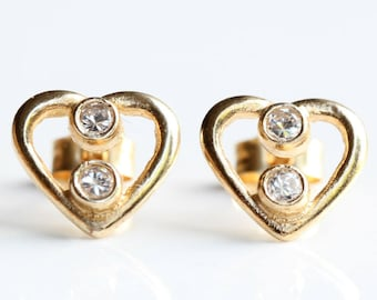9ct Solid Yellow Gold Heart Earrings - 9 carat Yellow Gold Cubic Zirconia Heart Earrings -   Yellow Gold  earrings - Diamond Earrings  - B64