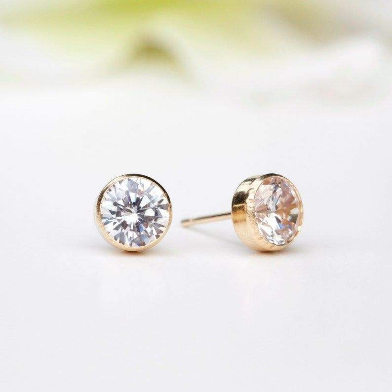 3fdb16a57c001 9ct Gold Cubic Zirconia Stud Earrings/ 4mm 5mm 6mm 7mm Cubic Zirconia Stud  Earrings /April Birthstone Earrings /Bezel Stud Earrings B56