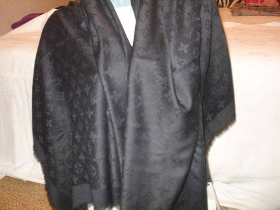Vintage beautiful luxurious big scarf, unisex shaw