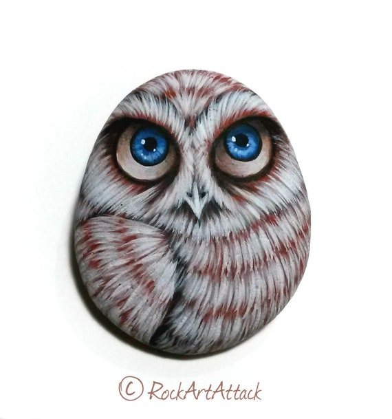 Owl Hand Painted Pebble Fridge Magnet! Painted with acrylics paints and finished with satin varnish protection.