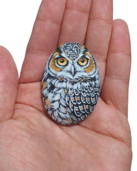 Pebble Painting Great Horned Owl Magnet! Painted pebble bird with Acrylics and finished with satin varnish. Owl art by rockartattack