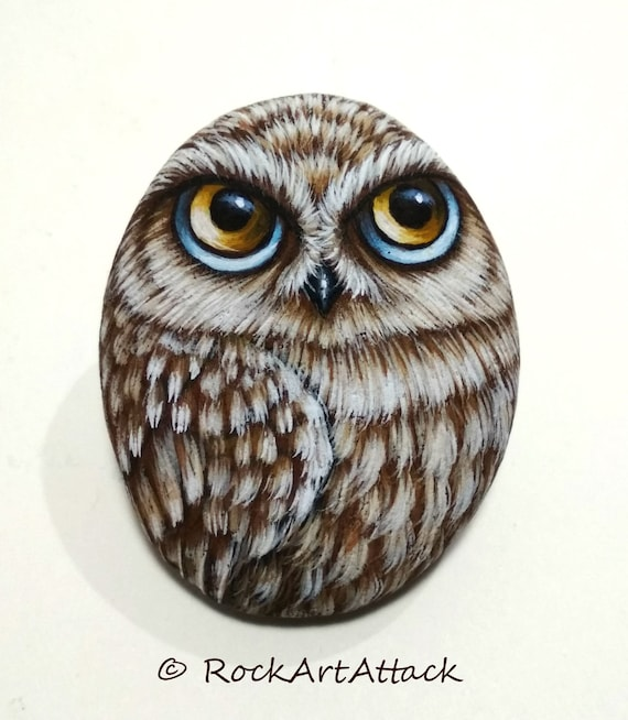 Owl Magnet Painted Pebble! Is Painted with high quality Acrylic paints and finished with Satin varnish protection.