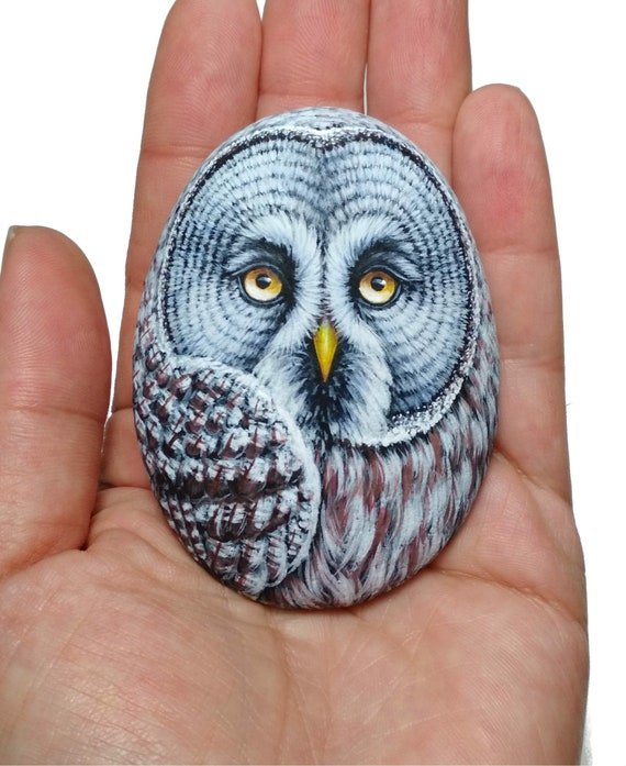 Stone Painting Great Gray Owl! Painted with high quality Acrylics and finished with Satin varnish protection, owl painted stone, bird art