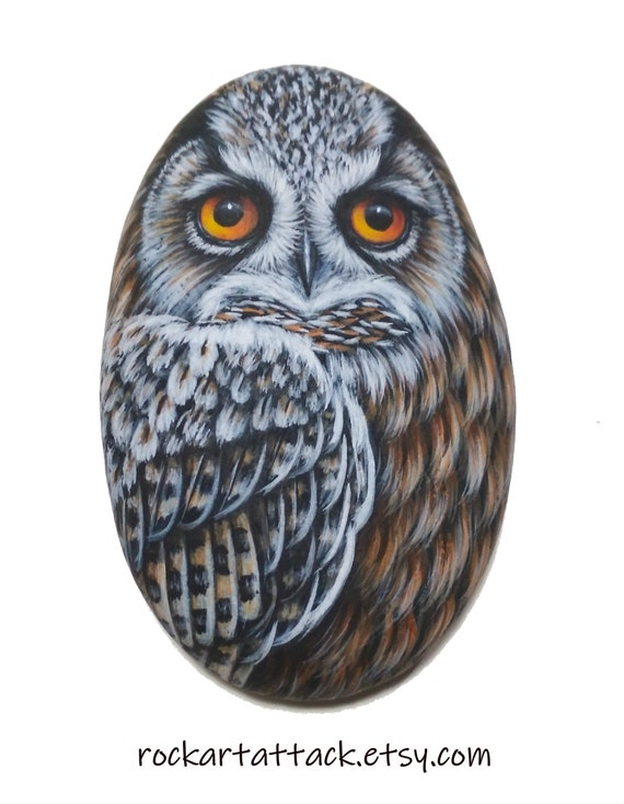 Eurasian eagle owl hand painted on sea pebble! Painted with acrylics and finished with satin varnish protection, owl painted stone, bird art