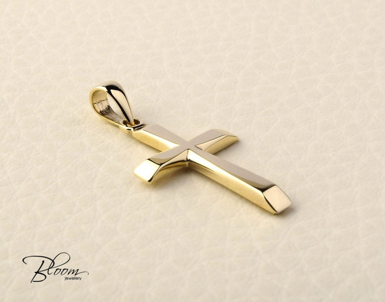 e792f2a8b070 Solid Gold Cross Necklace 14K Gold Cross Pendant Necklace for