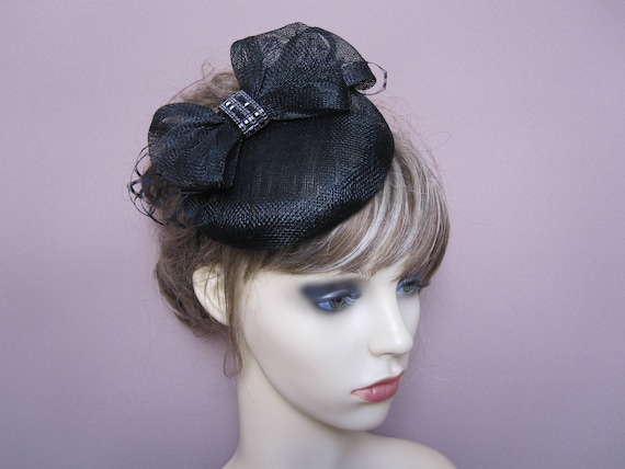 Black pillbox hat button shaped fascinator 50 s 60 s  d6e237df6b1