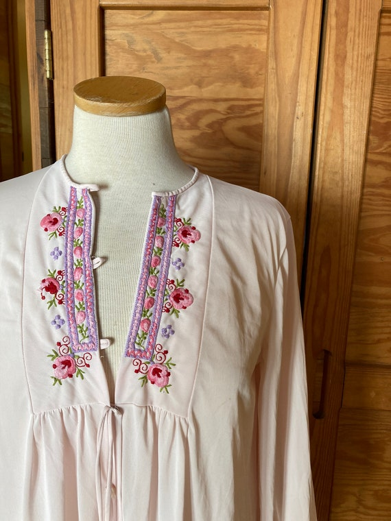 Vintage 1970s Embroidered Night Gown