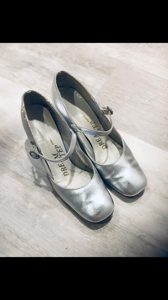 Vintage 1960s Silver Mary Janes