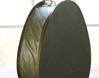 Vintage Suitcase Teardrop Oval Egg Train Case Carry On Luggage Avocado Green