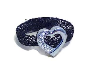 Mesh heart ring