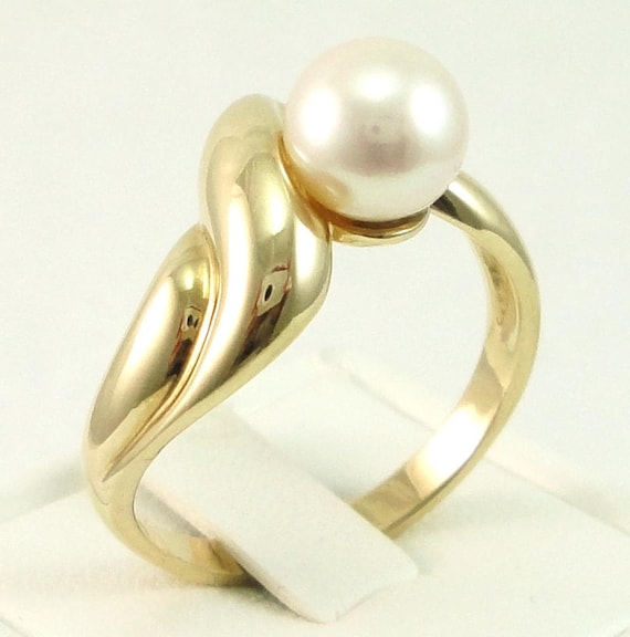 Pearl Ring, Gold Pearl Ring, 14kt Gold, Ladies Pea