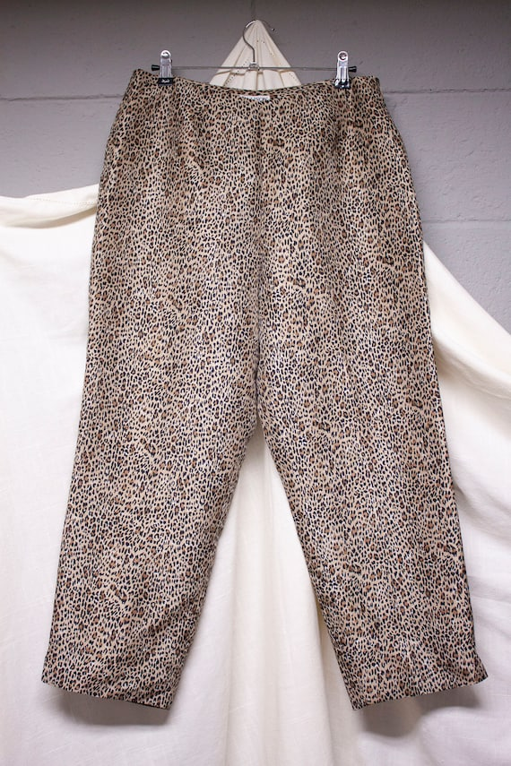 90s Silk Leopard Print High Waisted Cropped Pants