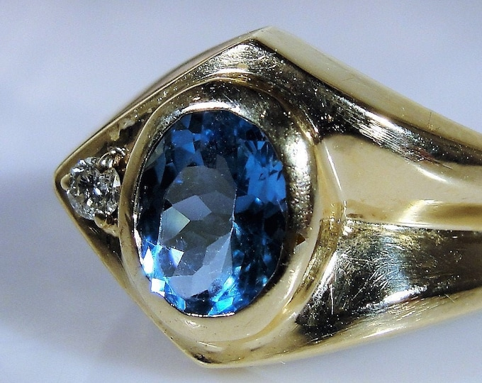 MAGIC GLO 10K Yellow Gold Man's Swiss Blue Topaz & Diamond Ring, Gentleman's Ring, Right Hand Ring, Man's Ring, Vintage Ring, Free Sizing!!