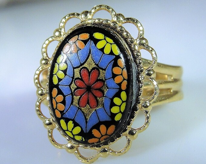1960s Flower Power Gold Tone Adjustable Ring, Statement Ring, Fashion Ring, Hand Painted Floral Cameo Ring, Vintage Adjustable Ring