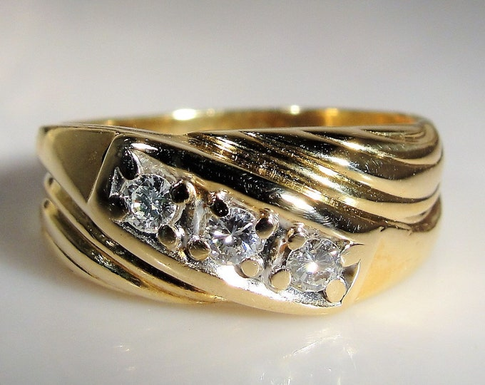 Man's Diamond Ring, 14K Yellow Gold Man's Diamond Ring, Gentleman's Ring, Groom's Band, Vintage Ring, Size 9.75, FREE SIZING!!