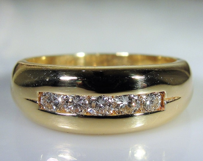 Man's Diamond Ring, 14K Yellow Gold Man's Diamond Ring, Gentleman's Ring, Groom's Band, Vintage Ring, Size 9, FREE SIZING!!