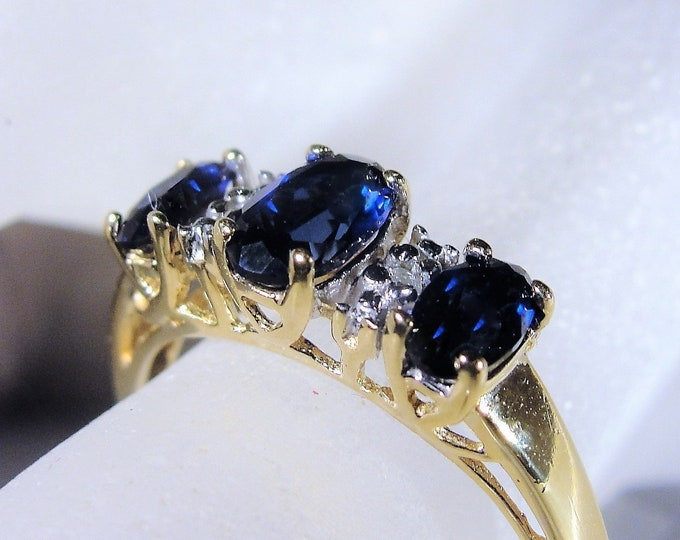 10K Retro Blue Sapphire and Diamond Trilogy Band Ring, Lab Created Sapphires, Genuine Diamonds, Vintage Ring, Size 7.5