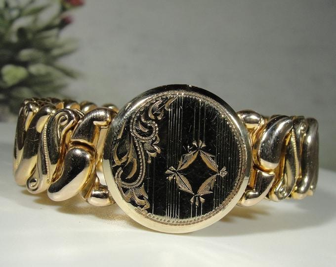 Locket Bracelet, Vintage 1940s 14K Gold Filled Petite Engraved Picture Locket Stretch Bracelet