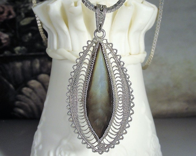 "Agate Necklace, Vintage Tear Drop Shaped Polished Gray Agate Sterling Silver Filigree Pendant with a Sterling Silver Box Chain, 26"" Chain"