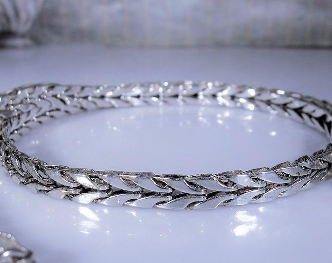 MONET Retro Silver Herringbone Choker Necklace, Silver Necklace, Silver Choker, 16.5 Inches, Vintage Necklace
