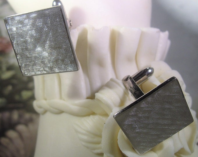 Silver Cufflinks, 1960s Mens or Womens Sterling Silver Etched Pair of Cufflinks