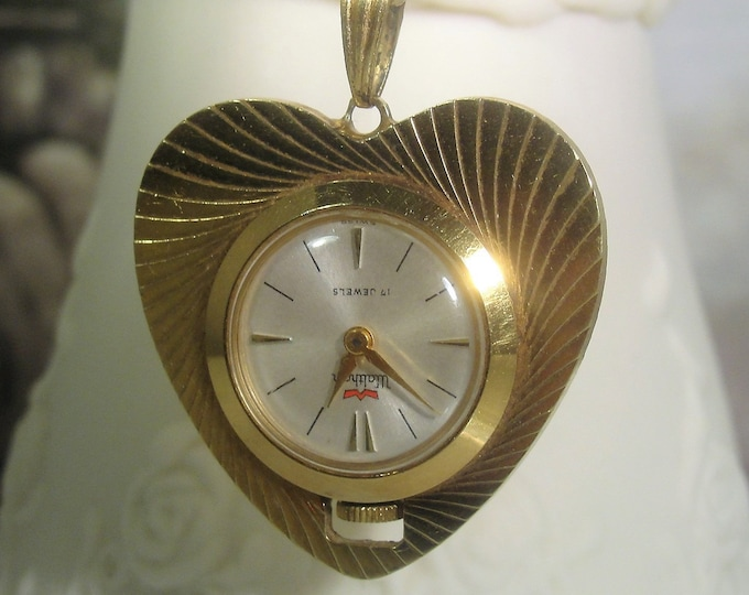 Pendant Watch, Womens WALTHAM Heart Shaped Mechanical 17 Jewel Pendant Watch Necklace, Vintage Watch