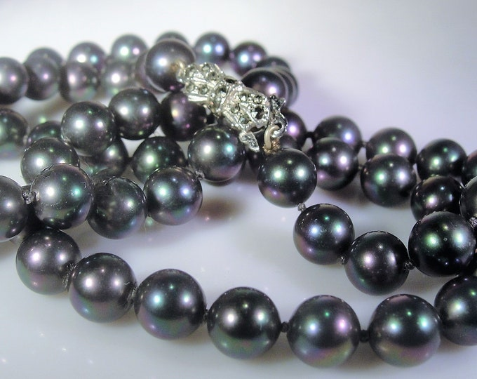 Strand of Black Pearls, Marcasite Silver Clasp, Green Purple Grey Blue Color Beads, Hand Knotted Pearl Necklace, Vintage Necklace, 24 Inches