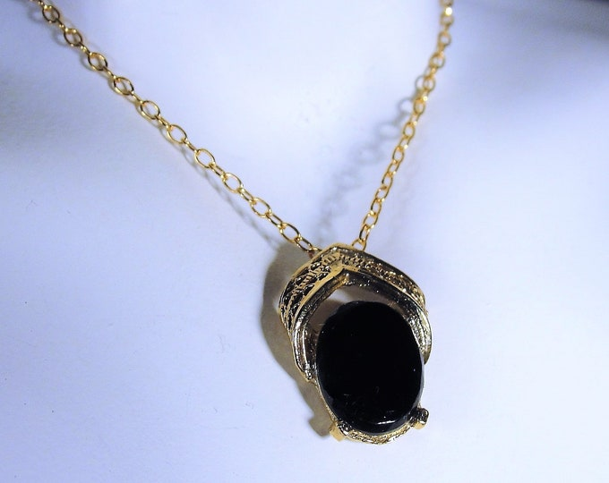 12K Gold Filled Genuine Black Onyx Necklace in Its Original Box, 15 Inch Chain, Vintage Necklace