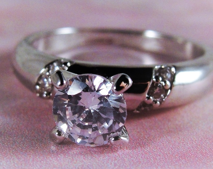 18K White Gold Plated Ring, Swarovski Crystal Solitaire Ring, Crystal Accents, Solitaire Ring, Fashion Ring, Vintage Ring, Size 8