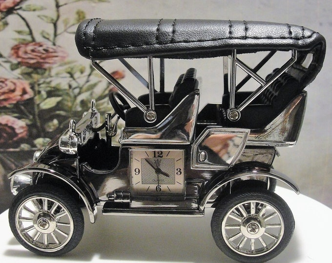 WATERBURY CLOCK Company, Antique Gun Metal Model T with Chrome Accents and Leather Seats Miniature Clock, Presented by Timex, Collectible
