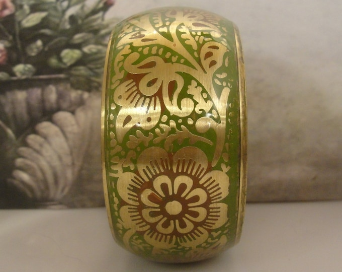 Bangle Bracelet, Vintage Green and Maroon Paisley Flower Transfer Motif Brass Bangle, Vintage Bangle