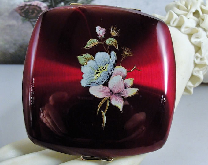Powder Compact, MELISSA of LONDON Claret Lucite Powder and Mirror Compact, Made in England - In Unused Condition