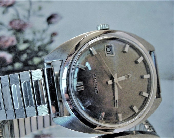 SEIKO Vintage Men's Wrist Watch, Stainless Steel, Model 6602-7040-P, Mechanical, Grey Gun Metal Dial, Silver Colored Case and Band