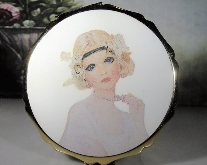 Estate Compact Pill Box, Flapper Girl Compact Pill Box, Vintage Pill Box, Beautiful Transfer Print Flapper Girl - Collectible