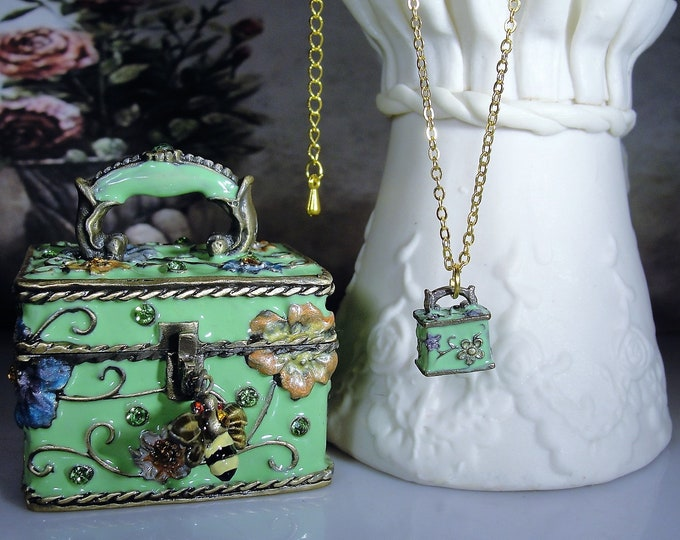 JERE Green Enamel Floral Trinket Box with a Matching Pendant Necklace and Bumble Bee Charm, Original Box, Vintage Trinket Box