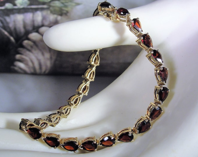 Tennis Bracelet, Vintage 14K Yellow Gold Pear Shaped Deep Red Garnet Tennis Bracelet, Vintage Bracelet