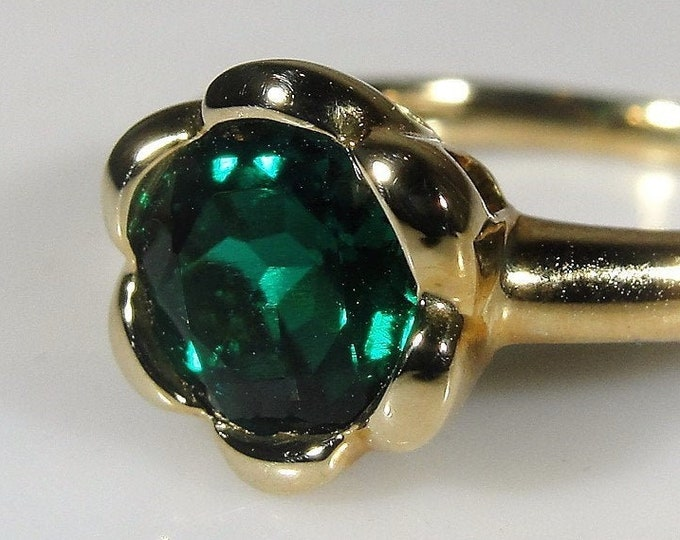 Emerald Ring, 10K Yellow Gold Green Emerald Buttercup Ring, Lab Created Emerald, Right Hand Ring, May Birthstone, Size 7, FREE SIZING!!