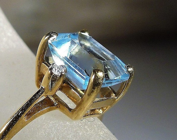10K Swiss Blue Topaz and Diamond Ring, Emerald Cut Blue Topaz Ring, Topaz and Diamond Ring, Vintage Ring, Size 5.5