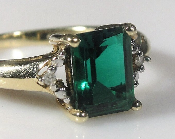 Emerald Ring, 10K Yellow Gold Emerald Cut Green Emerald and Diamond Ring, Lab Created, Statement Ring, Vintage Ring, Size 5.5, FREE SIZING!!