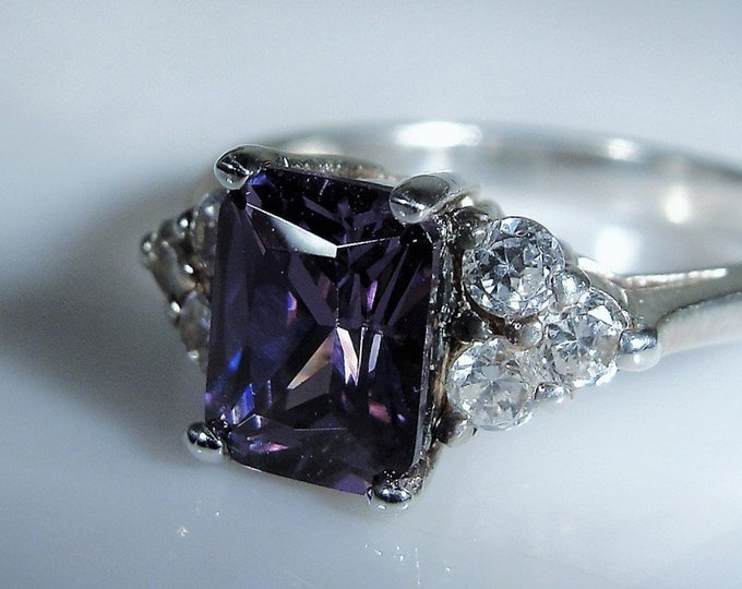 Amethyst CZ Ring, Sterling Silver Ring, Purple 1.5 Carat Cubic Zirconia Ring, Emerald Cut Gem, Vintage Ring, Size 8, FREE SIZING!!
