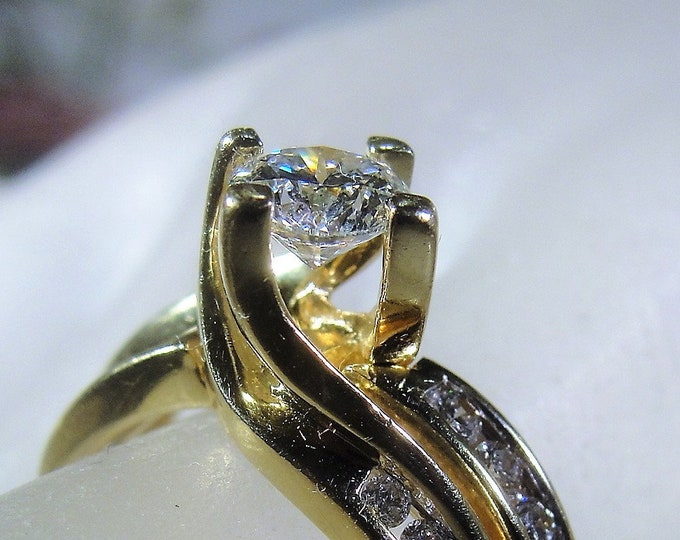 14K Gold Diamond Bridal Ring Set with an Intertwined Twisted Prong Mounting, 1.10 TCW, Engagement Ring & Wedding Band, Vintage Rings, Size 6