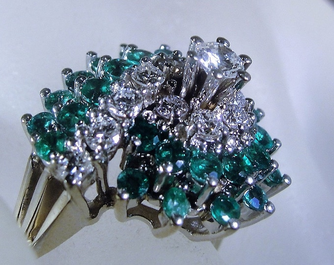 Emerald and Diamond Ring, 14K White Gold Ring, Green Emerald Cocktail Ring, Green Emerald Ring, Diamond Ring, Statement, Vintage Ring, Sz 9