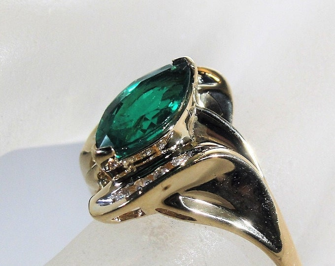 Emerald and Diamond Ring, 10K Yellow Gold Green Emerald and Diamond Ring, Right Hand Ring, Size 7.5 Vintage Ring, FREE SIZING!!