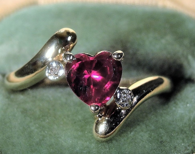 10K Gold Pink Sapphire and Diamond Heart Ring in a By Pass Style Mounting, Great Promise Ring, Heart Ring, Vintage Ring, Size 7.5