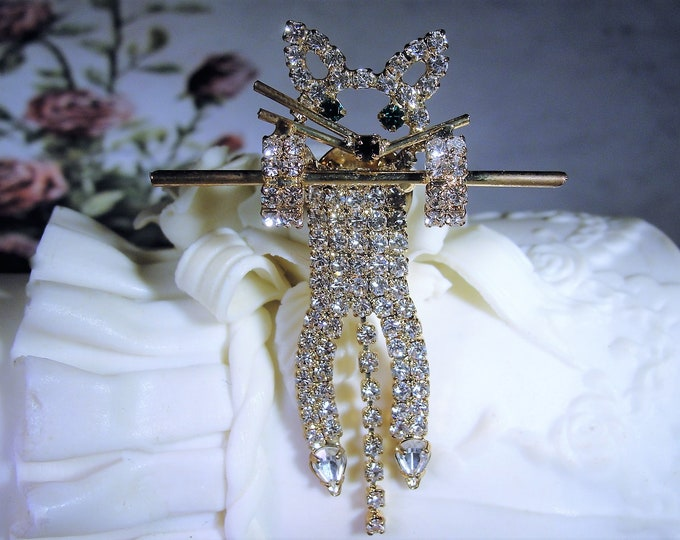 """Lapel Pin, Vintage """"Hang In There"""" Gold Tone Rhinestone Kitty Lapel Pin, ME-WOW!!"""