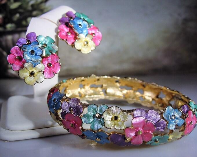 Vintage Enamel Floral Bangle Bracelet and Earrings Set, Hinged Bangle Bracelet, Clip On Earrings, Vintage Flower Enamel Set, Vintage Bangle
