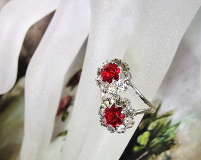 UNCAS Ring, Bypass Ring, Sterling Silver Ring, Dual Flower Ring, Red and White Faceted Glass Flower Ring, Fashion Ring, Vintage Ring, S 5.25
