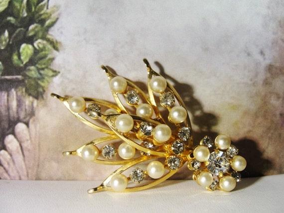 Pearl Brooch, Vintage Pearl & Rhinestone Bouquet … - image 3